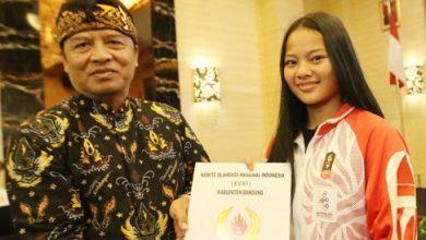 Photo of Atlet Sea Games Kabupaten Bandung Dapat Kadeudeuh dari Bupati